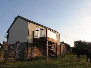 Barn conversion with fantastic views, Lifton