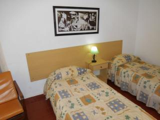 Sarita´s house (double room/wc), Monte Gordo