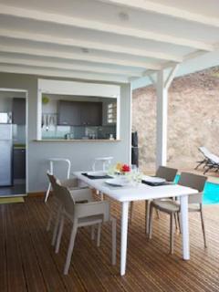 espace repas villa tara