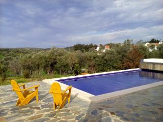 Villa with private pool, Evora