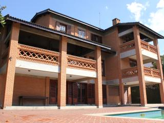 Aconchegante casa na Granja Viana, Carapicuíba