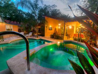 New Years Available!!! The best location and amenities only 3 mins to the beach!
