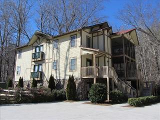 LOOK SPECTACULAR RIVERFRONT 2BR/2.5BA