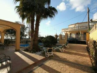 Con piscina privada, vistas al mar y golf a 4 km., Llucmajor