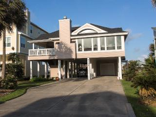 Coastal Living Relaxing Luxury Home !!, Galveston