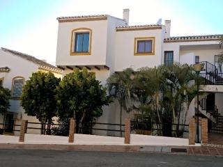 Superb, Stylish Penthouse. Great for Your Holiday!, Sitio de Calahonda