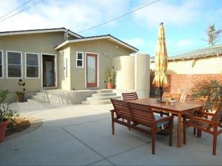 Beautiful House Just 3 Blocks from Oceanside Beach