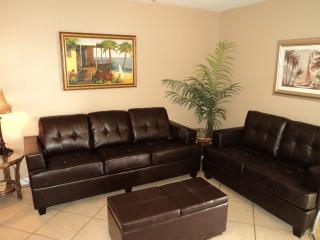Great Rates -  Cute Condo Only Steps from the Beac, Gulf Shores