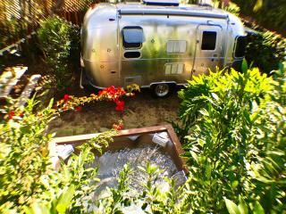 AIRSTREAM+SPA RETREAT MINUTES TO VENICE BEACH AND SANTA MONICA