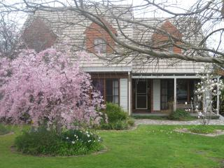 Mansfield House - Luxury Holiday Accommodation