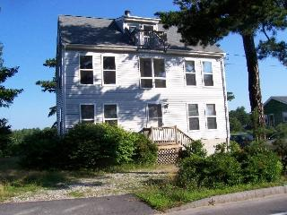 Private 4 Bedroom Home Across From Sandy Beach, Old Orchard Beach