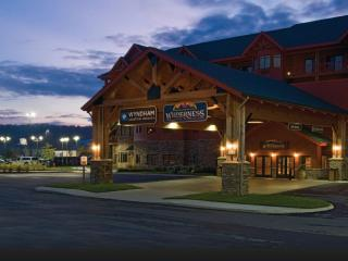 Wyndham Great Smokies Lodge-Indoor Waterpark!