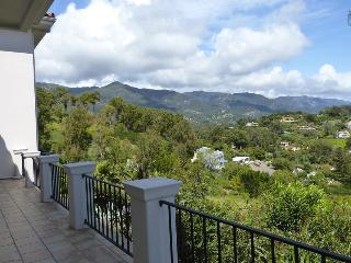 Gorgeous home in Montecito, ocean and mountain views, community pool - 3 month minimum - Eucalyptus Hill Escape