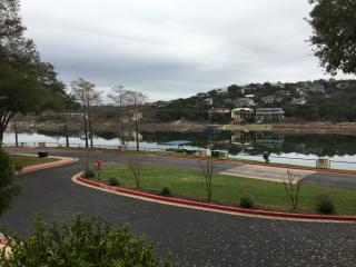 2 BA/BR with Serene views of water, Lago Vista