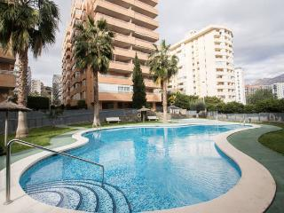 COMPLEX OF 2 APARTMENTS FOR 6-10 PERSONS, 5 MINUTES TO BEACH