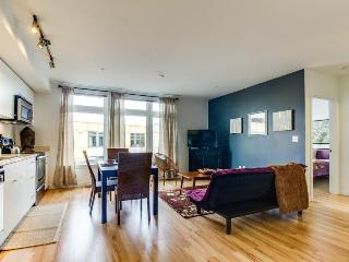 Tranquil condo on Green Lake w/ rooftop terrace, pets OK!, Seattle