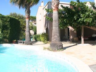 Joli Appartement au calme avec Piscine, Sainte-Maxime