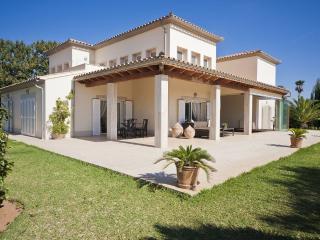 Luxury villa in fantastic location