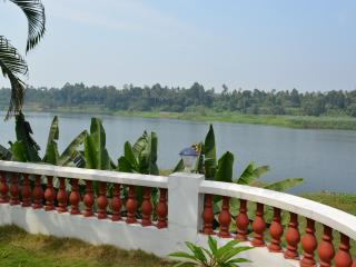 Periyar Homestay, RiverView AC Room, Kochi Airport, Cochin