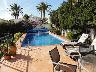 2B 2BTH AC WiFi Private pool villa Fuente del Baden East Nerja T0152