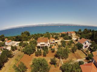 Island Ugljan - apartment for rent, Sutomiscica