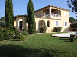 Villa provençale proche d'Uzés, Avignon, Nimes., Gaujac