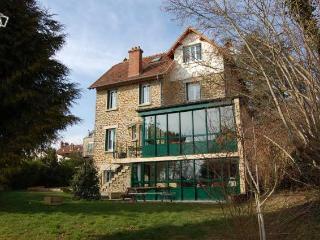Maison meulière avec jardin proche Disney et Paris, Thorigny-sur-Marne