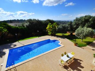 Villa Portol 2 with 400m2 surface & swimming pool, Marratxí