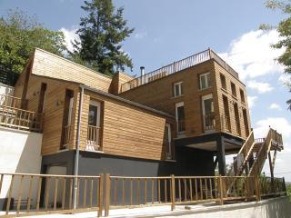 Maison en bois vue degagee proche Paris et Orly