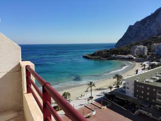 Beachfront penthouse with pool and sea views 212C, Calpe