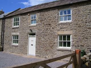 East Cottage peaceful self catering countryside escape - dog friendly