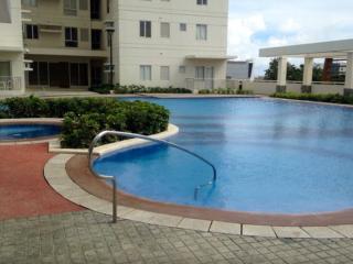 1 Bedroom Cebu iT Park, City & Mountain views