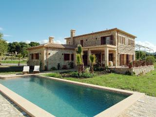 SPECIAL OFFER! Luxury villa in Pollença