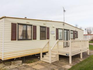 8 Berth Caravan in California Cliffs Holiday Park, Scratby Ref: 50052 Lapwing