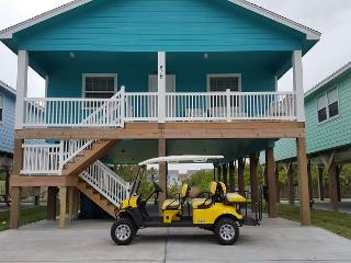 Shore Beats Work: BRAND NEW!  NFL SUNDAY TICKET, Grill, Golf Cart Included, Port Aransas