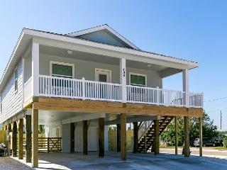 Bikini's and Martini's: Private Pool, Golf Cart, Shuffle Board, Ice Maker, Port Aransas