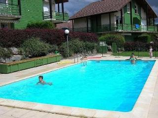 appartement dans chalet avec piscine