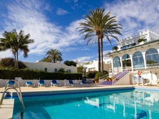 Nueva Andalucia-Marbella holiday house on beach