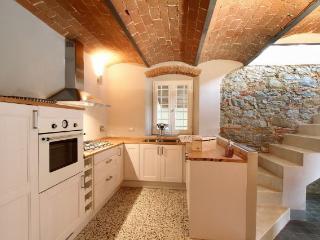 4 bedroom Villa in Terranuova Bracciolini, Tuscany, Italy : ref 5240144
