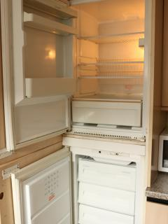 Fridge & Freezer