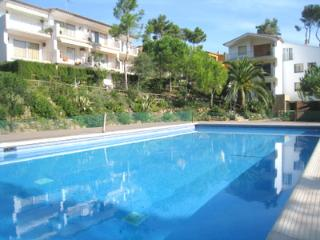 Studios with a shared pool, Calella de Palafrugell