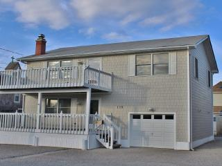 Oceanside Single Family In The Heart Of Beach Hav