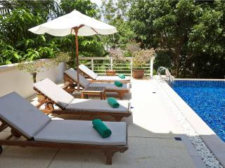 Family pool villa walk to beach - Phuket (3BDR), Karon