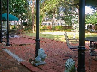 SVR-00066 Stunning 2 BR at the Exclusive Trustees Village, Savannah