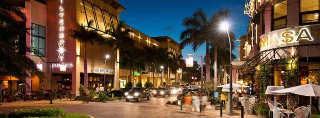 Mercato near the house - night life, shopping, movies, restaurants