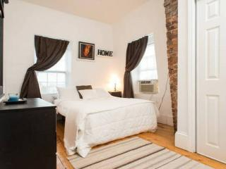 BOSTON 2BED TOP FLOOR Logan airport, Boston