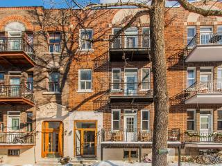 Condo in Outremont Renovated, 1 Min From Metro, Montreal