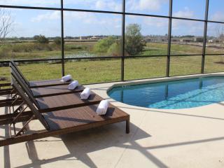 South Facing Pool / Spa / Gated Resort /Games Room, Davenport