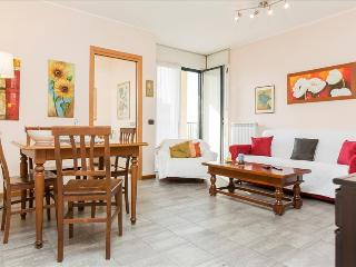 Lovely flat with balcony close to Navigli