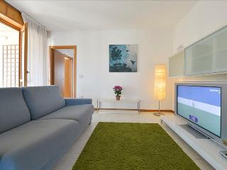 Luxury 2bdr apt with terrace, Bologna